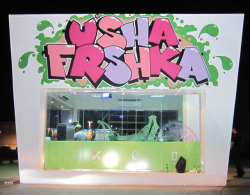 """U'sha Frshka"", Katara, Doha/Qatar. Graffiti art project by Sya & Bow, August 2012"