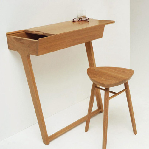 designbinge:   Quello Table