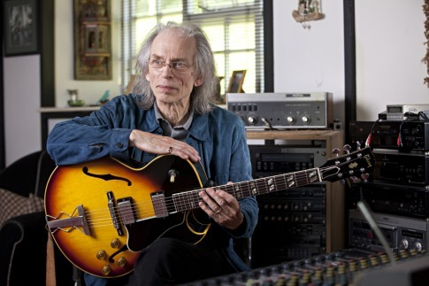 stevehoweandhisdresssense:  Steve Howe wearing a denim jacket for a photo shoot in his recording studio at home.
