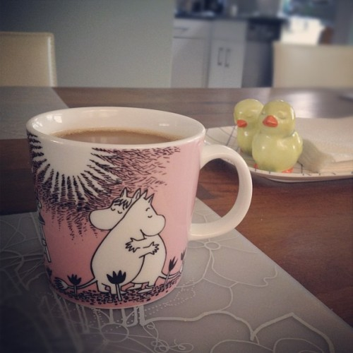 Morning with Moomins. #arabia #finland #iittala #moomin #mug #pink #love #coffee  (Taken with Instagram)