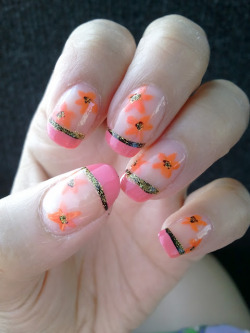 Hollow French Manicure with Floral Design This easy design can be done in about 15 minutes. Our video tutorial will lead you through the whole process.