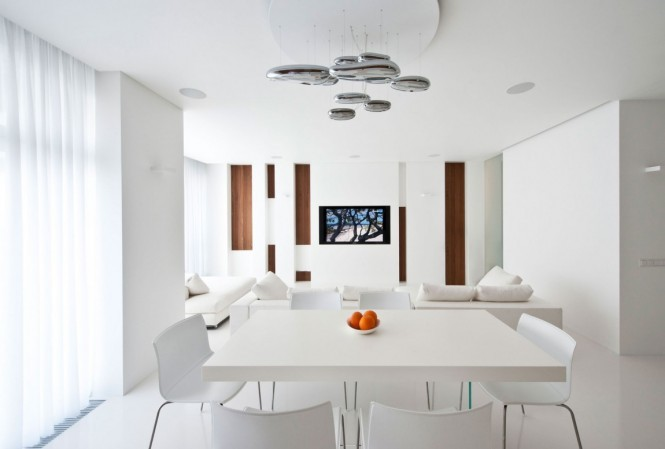 (via Apartment Awash with Walnut & White)