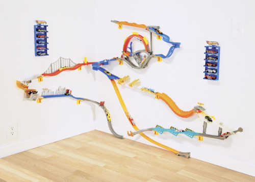 thingsmagazine:  Hot Wheels Wall Track (also at Amazon   goodness.