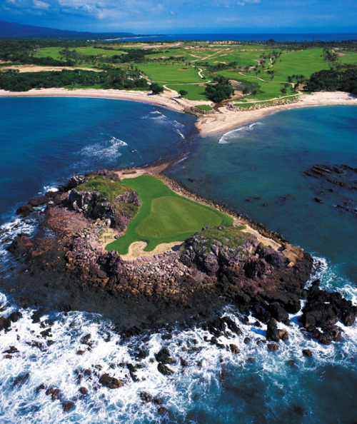 8 Shockingly Beautiful Golf Courses | Four Seasons Resort, Punta Mita, Mexico