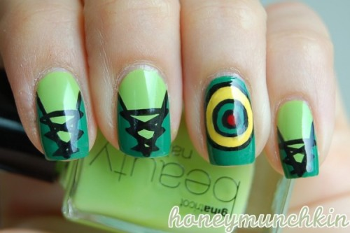Manicure Monday: Green Arrow nail art, by HoneyMunchkin.