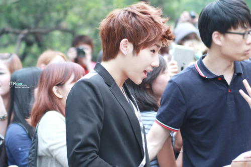 120601 leaving Music Bank [ © 7th heaven ]Do not edit. Do not remove watermark.