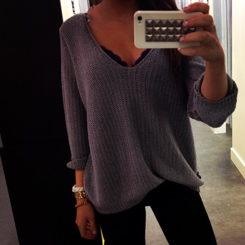 forever-and-alwayss:  lovelovelove that sweater <3