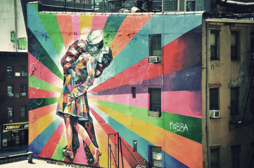 67 Years Later: Eduardo Kobra recreates the famous 1945 photo by Alfred Eisenstaedt of a couple kissing in Times Square on V-J Day. You can find the mural on 25th Street at 10th Avenue in Chelsea. Check out more of Eduardo's work here. via