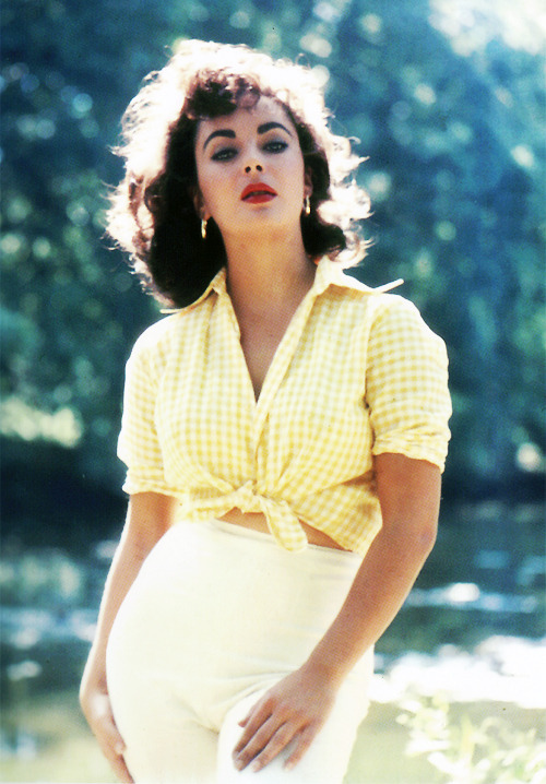 Elizabeth Taylor photographed by Bob Willoughby, 1957