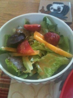081912: Dinner, at the In-laws, Part I: Salad: mixed greens, strawberries, yellow carrots, pepitas, almond slices, honey vinaigrette. Awesome.