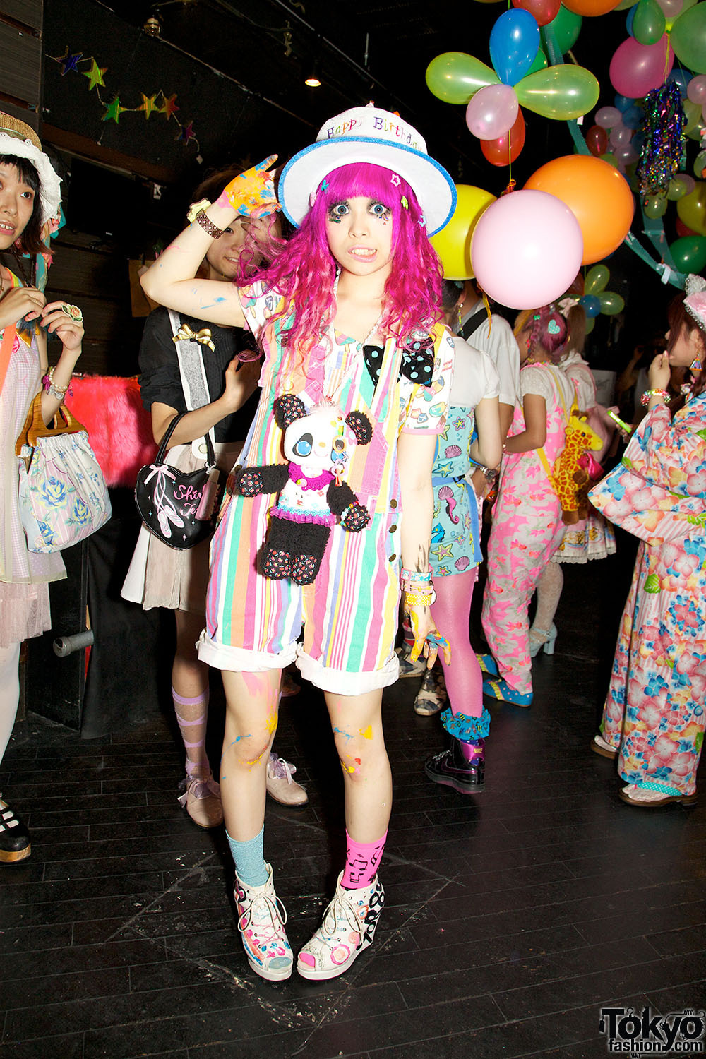 Kurebayashi being too cute. Just posted 50+ colorful summer Harajuku fashion snaps from Pop N Cute #3 with Kurebayashi, Kumamiki, Junnyan, Choco, Itaru Missile, Ribbon & much more awesomeness!!!