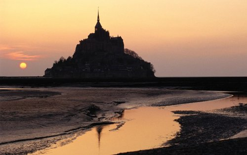 helloitsimi:  Mont Saint-Michel in Normandy, France