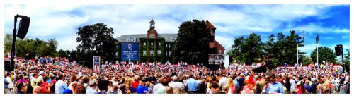 Awesome 100th town hall for Mitt in Manchester, NH. A huge crowd on hand to see America's Comeback Team!  Have your chance to meet the team http://mi.tt/QTpoPS