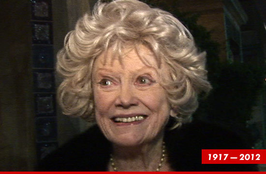 Comedian Phyllis Diller — who paved the way for today's female comics — has died  TMZ
