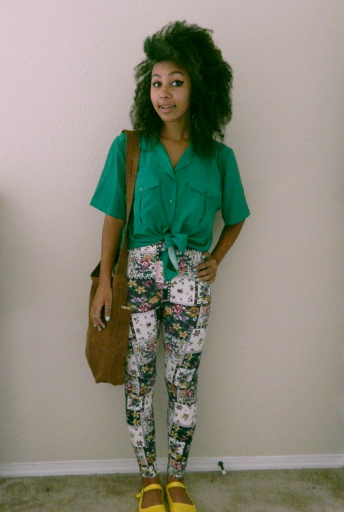 nadjasucks:  my first day outfit x my green hair