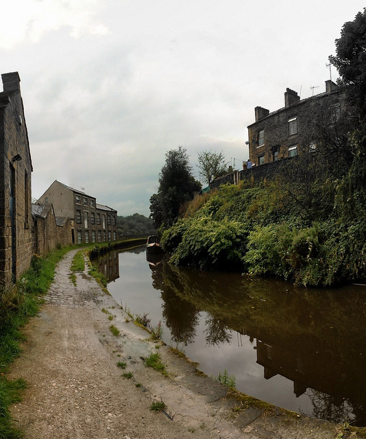 sowerby bridge canal on Flickr.