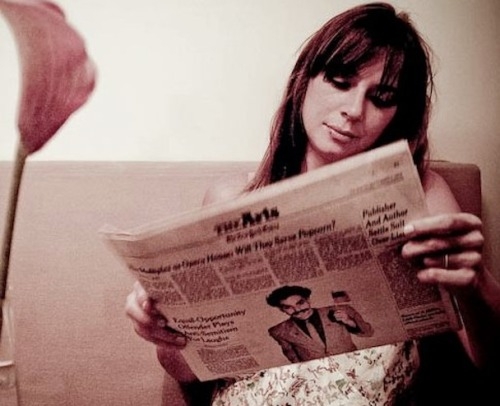 awesomepeoplereading:  Cat Power reading.