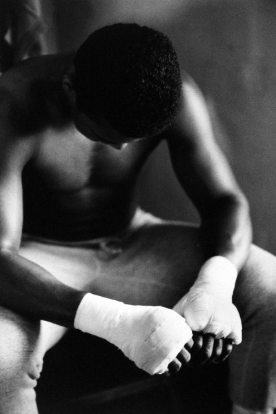 mr-non-chalant:  thechanelmuse:  Muhammad Ali in Training, Miami, Florida (Gordon Parks, 1966)  mee