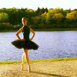 dix-septieme:  #me #ballet #dance #tutu #pointe #instagramsbestballerinas @instagramsbestballerinas (Taken with Instagram)
