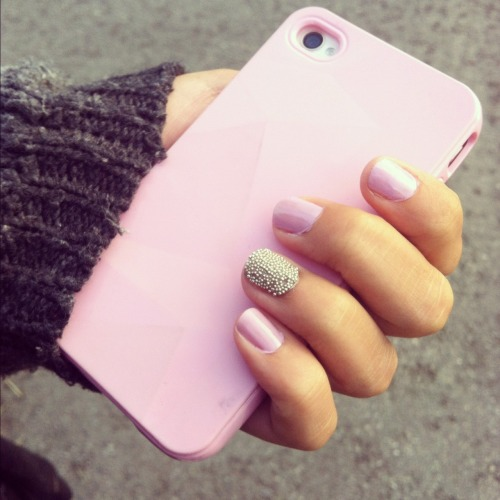 serenitised:  daisypalms:  nails<33  i have the exact same nail polish and the same caviar on the saem nail omg twins. just need an iphone 5