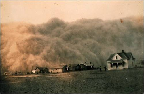 anthropologie:  A dust storm approaches a small Texas town, 1935. My father-in-law grew up in Texas cattle country and tells me these types of storms are more common than you'd think. I can't even imagine. Via: Oh, Pioneer!