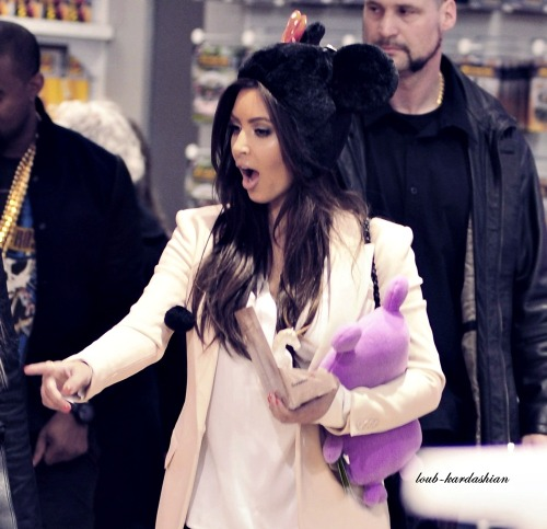 loub-kardashian:  One of my fave ! She's so cuteee ! How can you not ADORE this BEAUTIFUL creature ?
