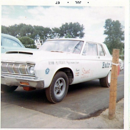 prova275:  Hemi… 67 Plymouth stockerMopar Monday