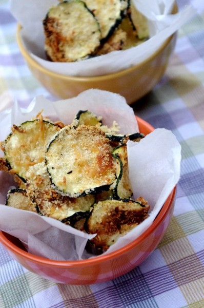 seriousnoms:  (via Oven Baked Zucchini Chips @ Nutritionist in the Kitch)