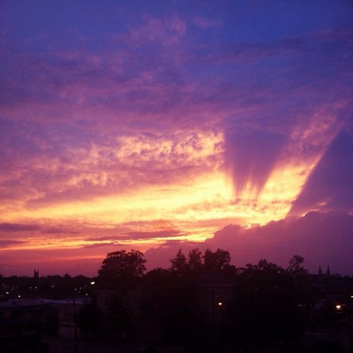 What a sky #rva #nofilter (Taken with Instagram at Wrong Castle Mario)