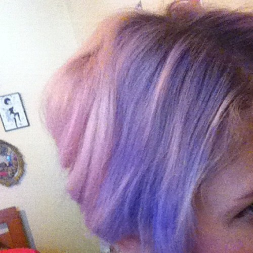 A different half half #purplehair #purple #pink #pinkhair #colouredhair (Taken with Instagram)