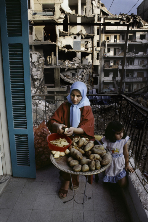 poeticislam:  Beirut, Lebanon.Taken by Steve McCurry  Juxtaposition :o