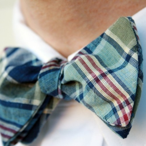 hucklebury:  Bowtie Preppy !   Follow Hucklebury for daily dose of fresh and inspirational styles that makes you smile everyday ! Facebook  us !  Be Inspired with Hucklebury ! Spread the love to the community !