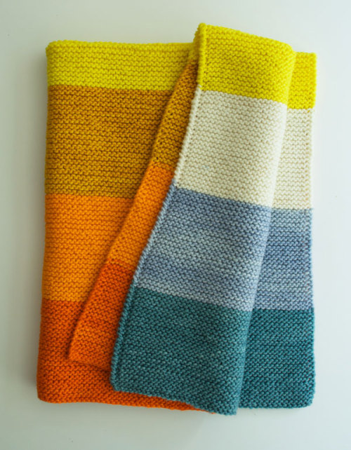 classymissmolassy:  Easy Baby Blanket Tutorial.  Love how simple this is, but its so stunning - great colours.