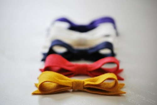 hucklebury:  Add color to your life with a bowtie !   Follow Hucklebury for daily dose of fresh and inspirational styles that makes you smile everyday ! Facebook  us !  Be Inspired with Hucklebury ! Spread the love to the community !   Source: prepfection