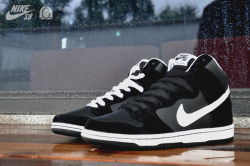 Nike SB Dunk High 'Black / White'