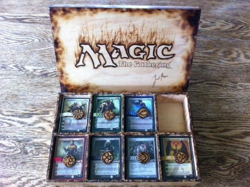 magicunwound:  Amazing Custom MtG Box