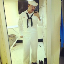 I can't help but admire how good looking @apls looks in his uniform. Thank you for serving our country bubba. You're so motivated and determined to do your job. Thanks for doing your best for me, for us, & for everything else. Don't get mad at me, but I have to show everyone how good looking you look! @apls 😍😘😉 (Taken with Instagram)