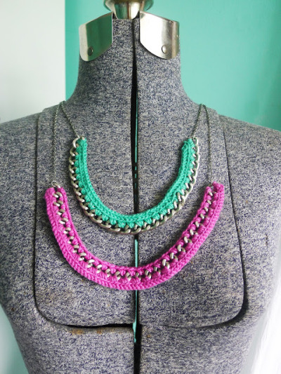 littlecraziness:  (via Thanks, I Made It: DIY Crochet Necklace)