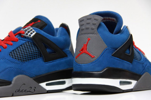 soleplaneny:  Eminem 4s Photo: chan23