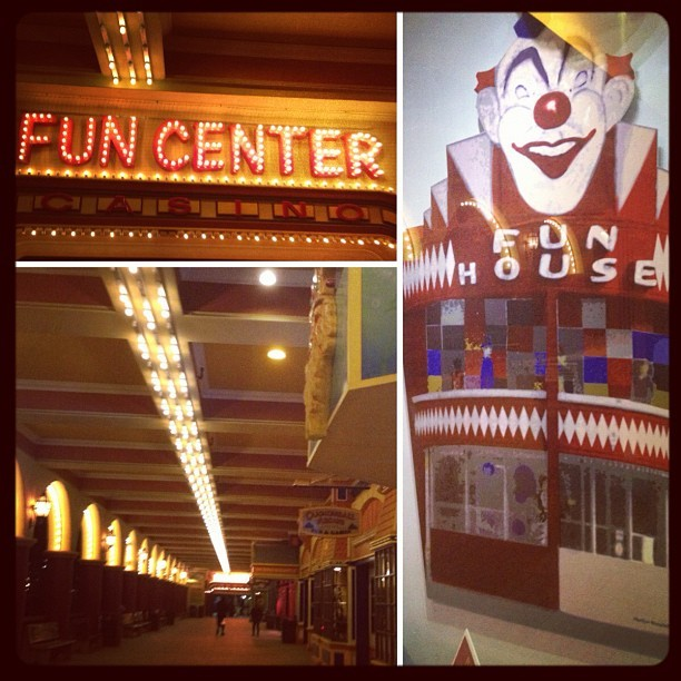 #santacruz #beachboardwalk #funhouse #lights #clown #beach  (Taken with Instagram at Santa cruz boardwalk)