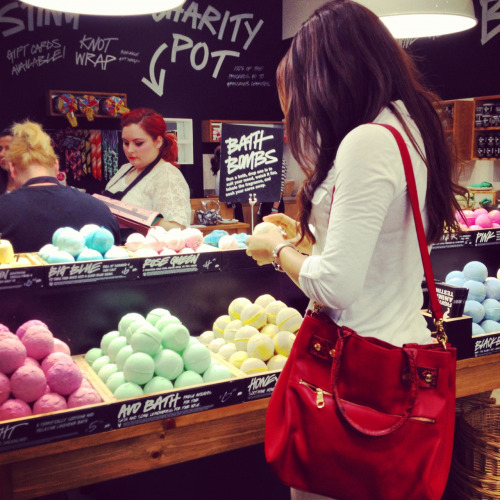 sabrinaebrahim:  Shopping at lush! I am going to smell fabulous lol