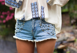 what-do-i-wear:  Love Sam Blouse (also in black), H&M Jeweled Shorts  (image: songofstyle)