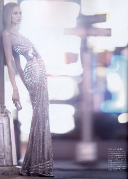 extrarisque:  Vogue Nippon August 2007 the golden girl, Tanya Dziahileva4
