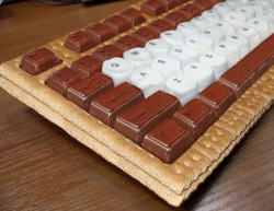 poisonedappl3:  mmmm keyboard smore