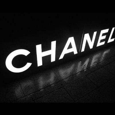 Chanel #chanel #fashion #desgin #love #clothes #bags #shoes #sunglasses  (Taken with Instagram)