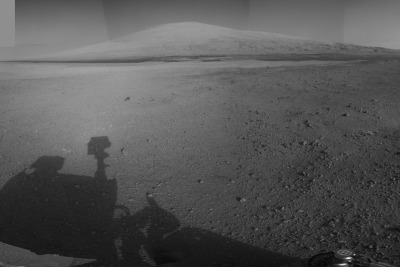 timelightbox:  A new panorama just released by NASA's Curiosity rover team shows us a fresh look at the Gale Crater on Mars. Explore the interactive feature on LightBox.