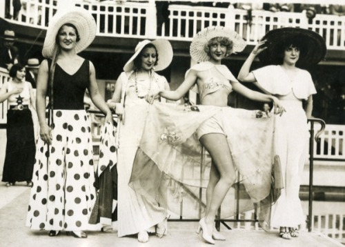 vintage-retro:  1930's Girls