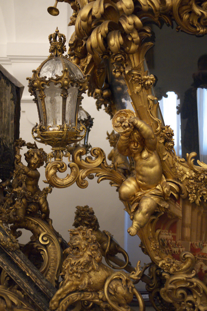 a-l-ancien-regime:  Carriage detail Marstallmuseum. Schloss Nymphenburg, Munich