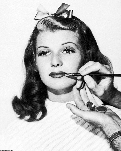 vintagegal:  Rita Hayworth gets made up c. 1940's