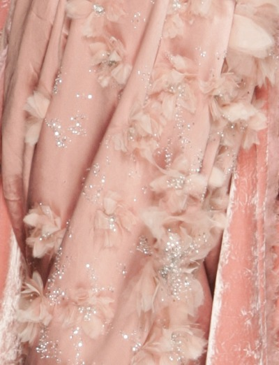 Dior detail - future idea for feathers…  notordinaryfashion:   christian dior haute couture spring/summer 2005  Beautiful detail